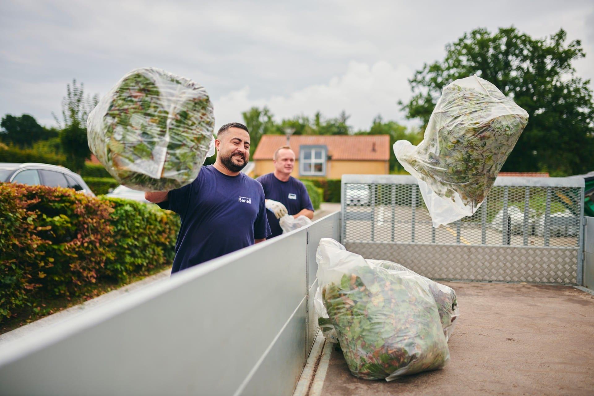 Renell-havemand rydder op efter havearbejde